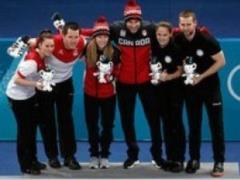 Первыми олимпийскими чемпионами по керлингу в даблмиксте стали канадцы