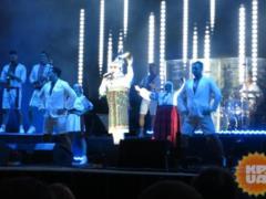Верка Сердючка устроила в Одессе  свадьбу  и спела новые песни