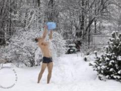 Медики подсказали, как правильно закаляться зимой