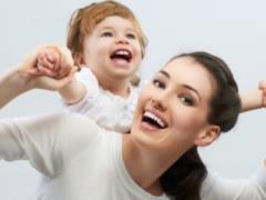 В Украине увеличат выплаты одиноким матерям