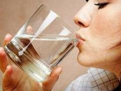 Вот почему с утра обязательно нужно выпивать стакан воды