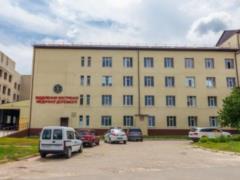 В Изюме продолжается реконструкция приемного отделения ЦРБ