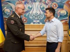 Сфера обороны должна функционировать без недоразумений между руководителями, - Зеленский о увольнении Хомчака