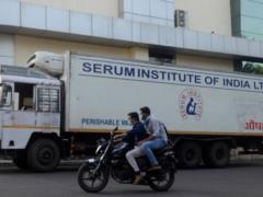 США ведут переговоры с Индией, убеждая снять запрет на экспорт вакцин